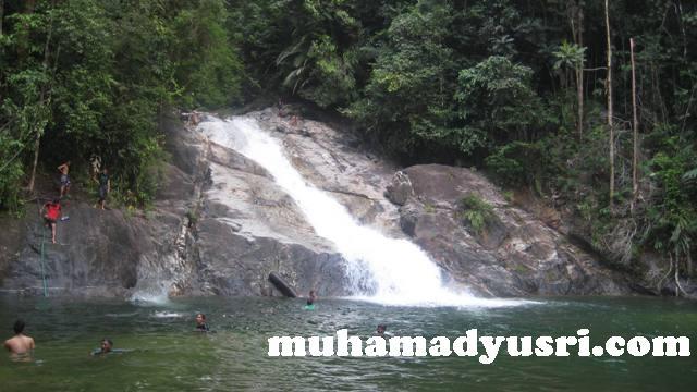 Chemerong waterfall Santai di Hutan Lipur Chemerong
