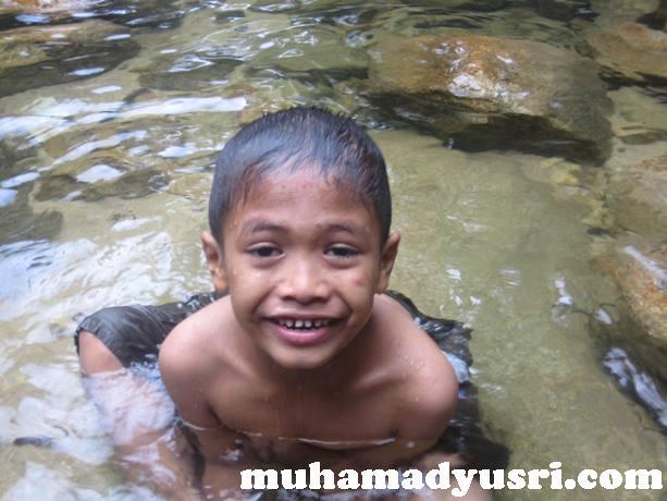 danial Santai di Hutan Lipur Chemerong