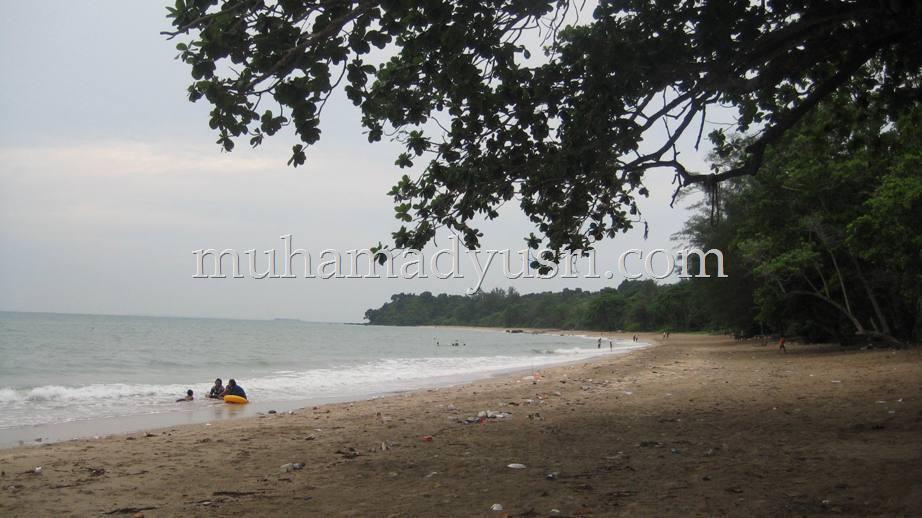 Pantai Batu Layar Jalan jalan Batu Layar