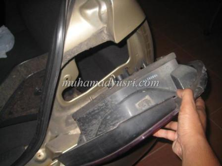 Remove Tail Lamp from body